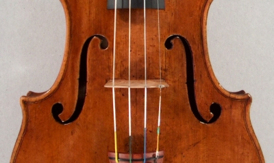 lateral position of bridge on a violin.