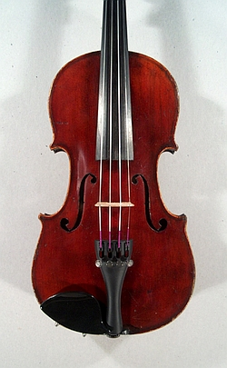 Violon demi de Mirecourt. Table.