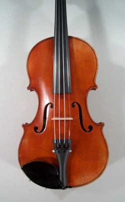 Violon trois quarts de Mirecourt. Table.
